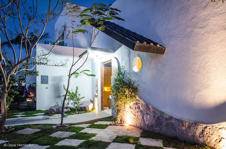 CASA BALLENA / RAUL DAVILA:  de estilo  por Oscar Hernández - Fotografía de Arquitectura
