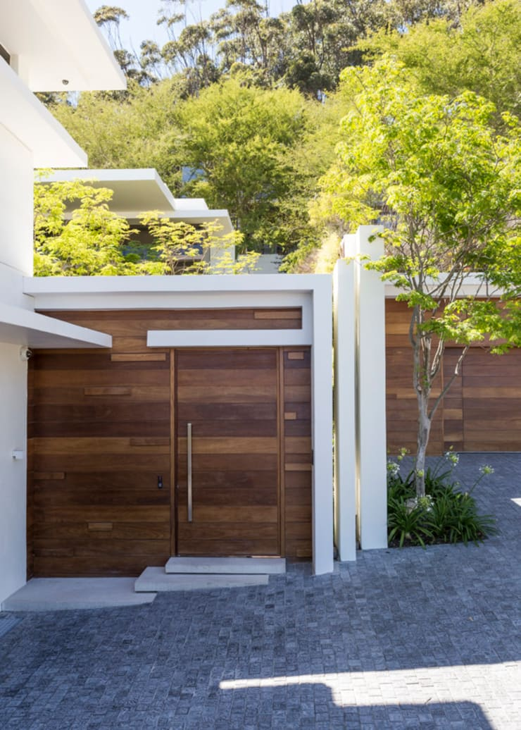 The Door from the street:  Houses by Jenny Mills Architects