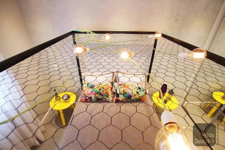 Quarto casal: Quartos  por Pricila Dalzochio Arquitetura e Interiores