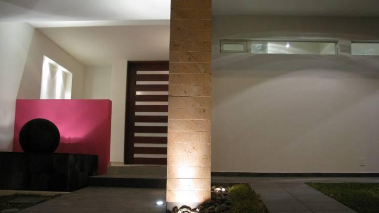 Luz: Casas de estilo  por Bojorquez Arquitectos SA de CV