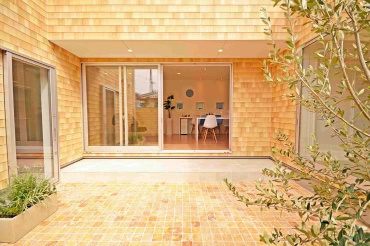 中庭: フォーレストデザイン一級建築士事務所が手掛けた家です。,