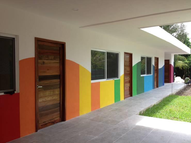 Fachada Interior: Casas de estilo  por Manuel Aguilar Arquitecto