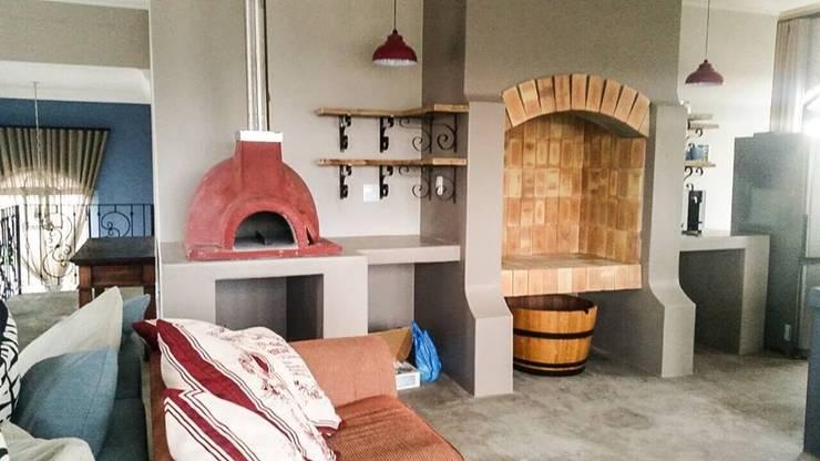 House  Sshwab: classic Living room by Rudman Visagie