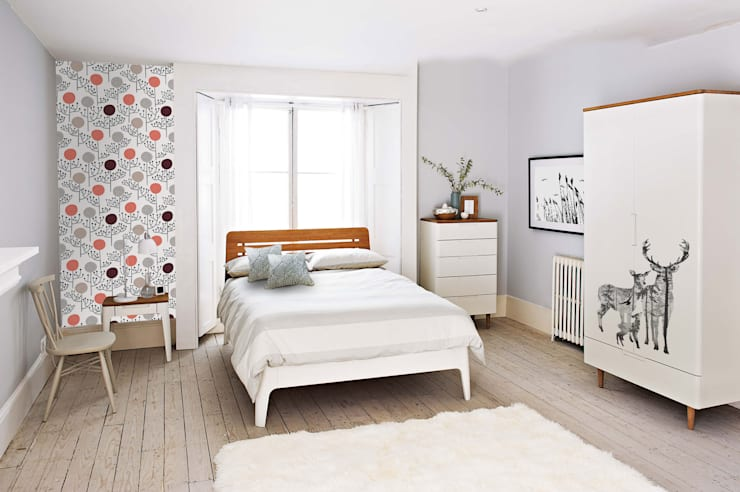 Scandinavian Bedroom:  Bedroom by Pixers