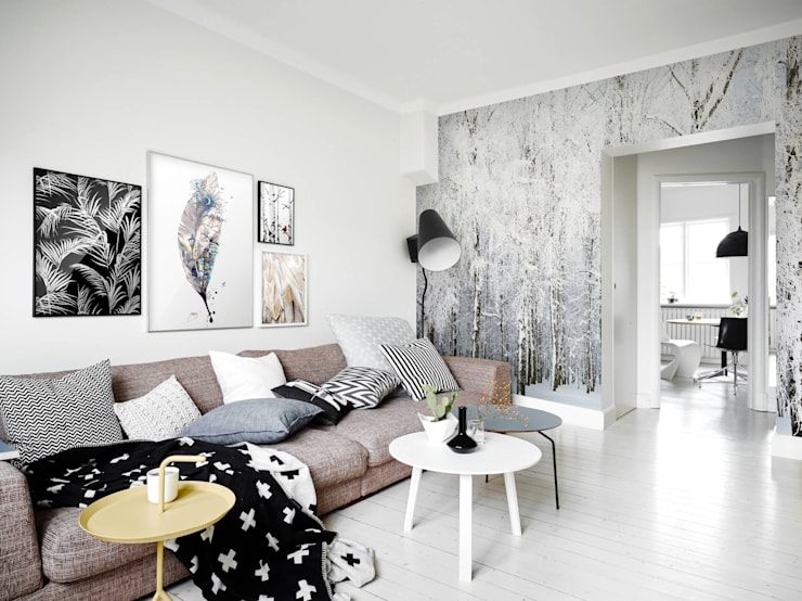 Cold Nature: eclectic Living room by Pixers