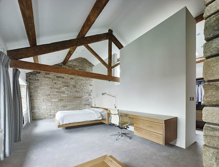 House 141:  Bedroom by Andrew Wallace Architects