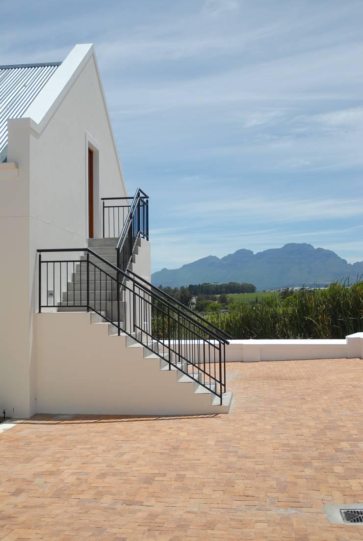 House Grobler, De Zalze Winelands & Golf Estate (Stellenbosch):  Houses by Reinier Brönn Architects & Associates
