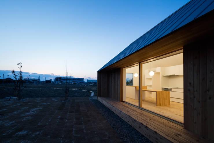 eclectische Huizen door hm+architects 一級建築士事務所