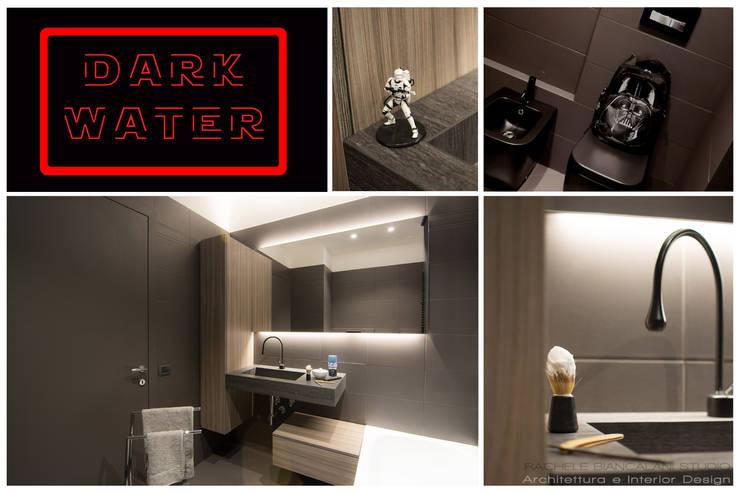 DARK WATER - a very dark bathroom - galactic renovation - TRASFORMAZIONE GALATTICA: Bagno in stile  di Rachele Biancalani Studio