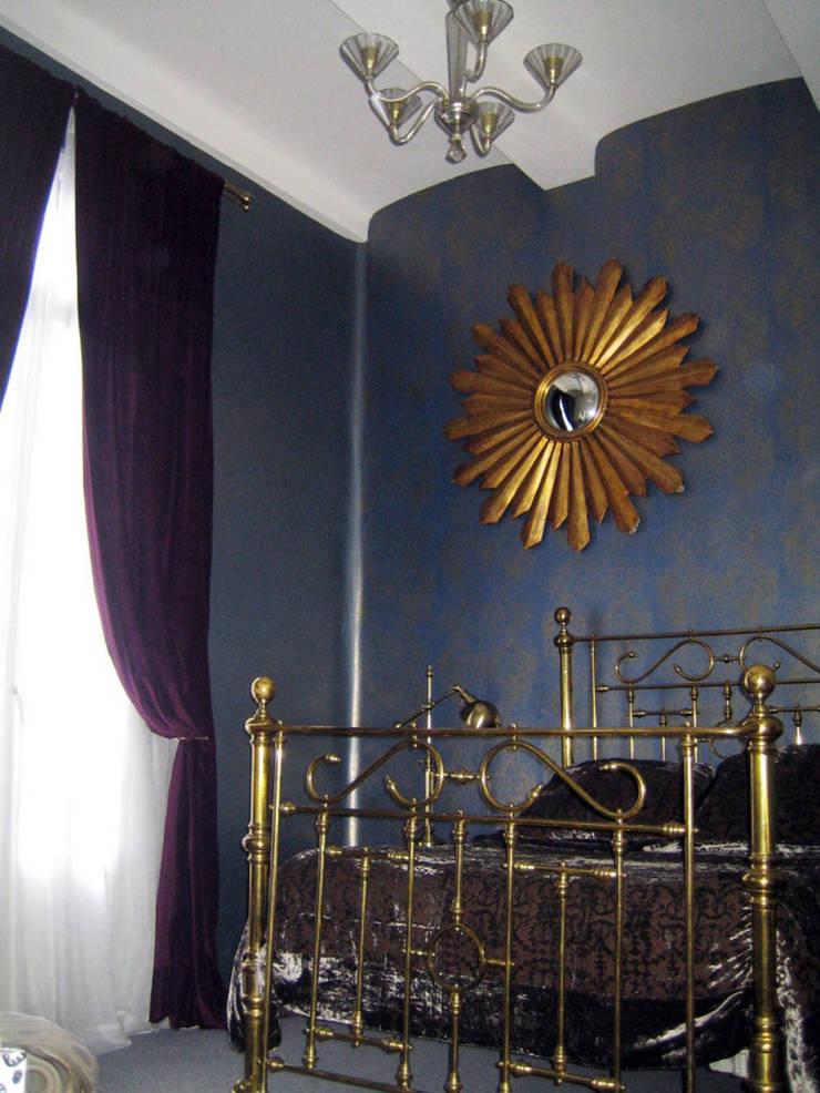 Balmori Decor : Recámaras de estilo  por Erika Winters Design