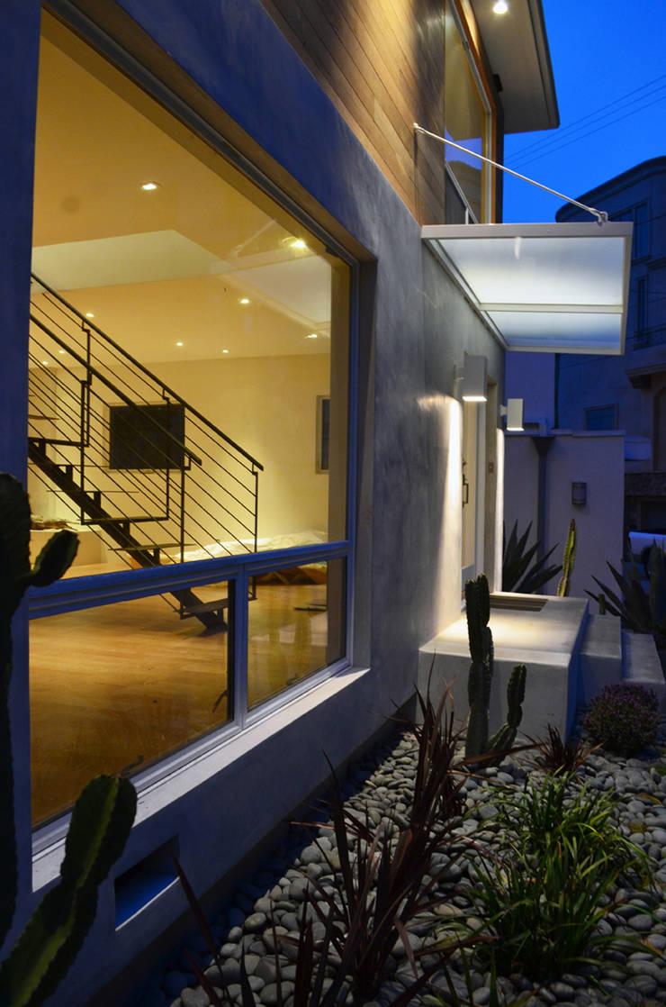 M-8442: Casas de estilo  por Erika Winters Design