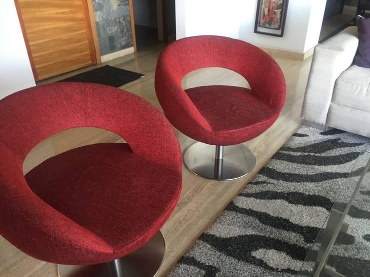 Proyecto Los Dos Caminnos: Salas / recibidores de estilo  por THE muebles