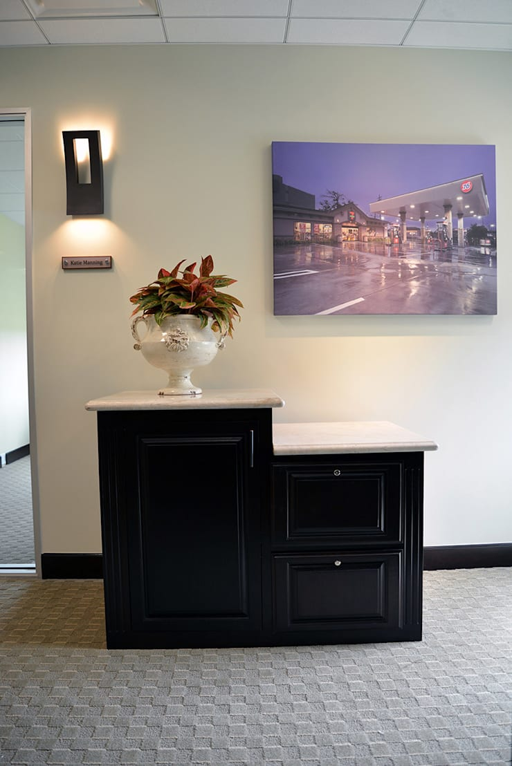 Canwood Office Project Agoura Hills CA de Erika Winters Design Moderno