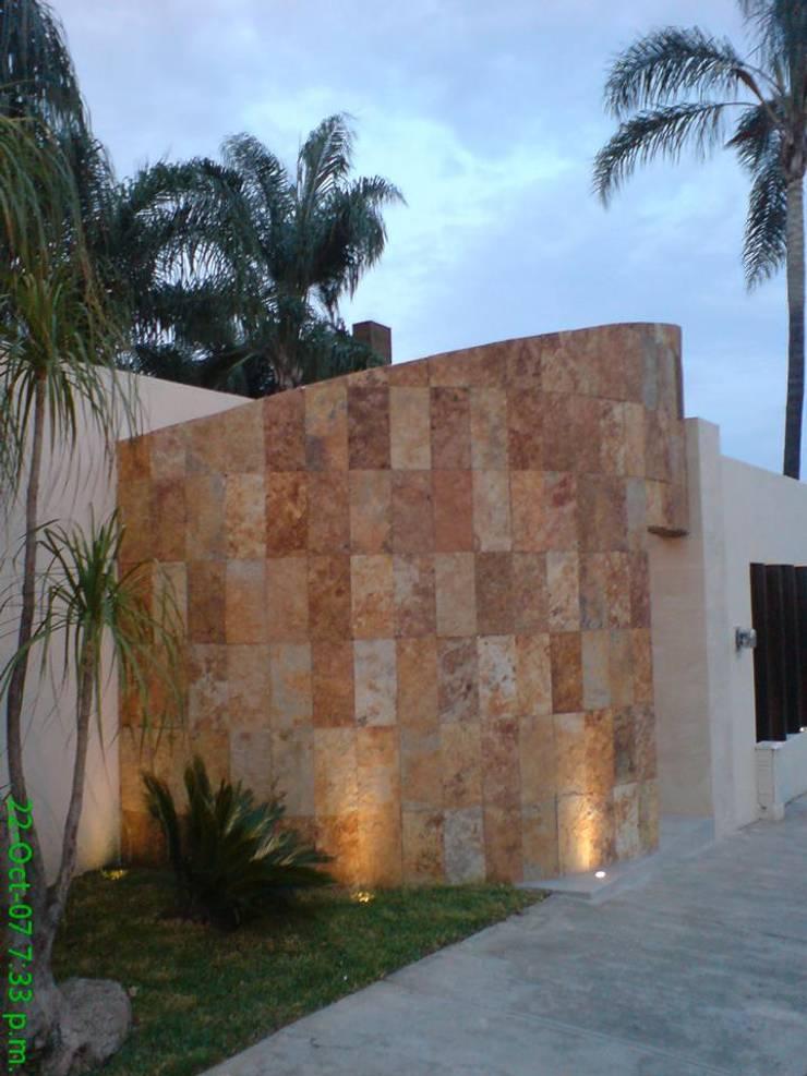 Bugambilias: Casas de estilo  por Arki3d