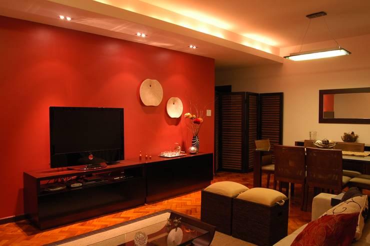 Projeto: Salas de estar modernas por Staff Arquitetura e Engenharia