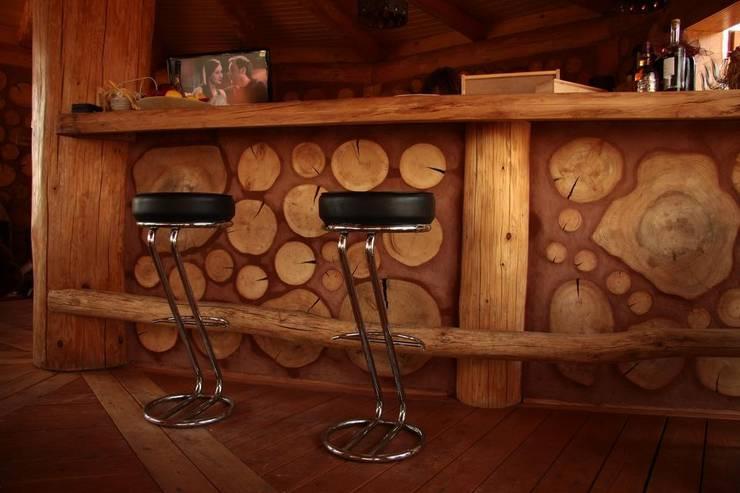 Altana w Nakle nad Notecią: styl , w kategorii Piwnica win zaprojektowany przez Organica Design & Build