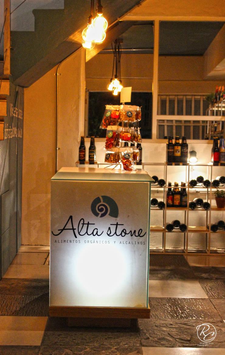 Alta Stone: Estudios y oficinas de estilo  por Alfagrama estudio