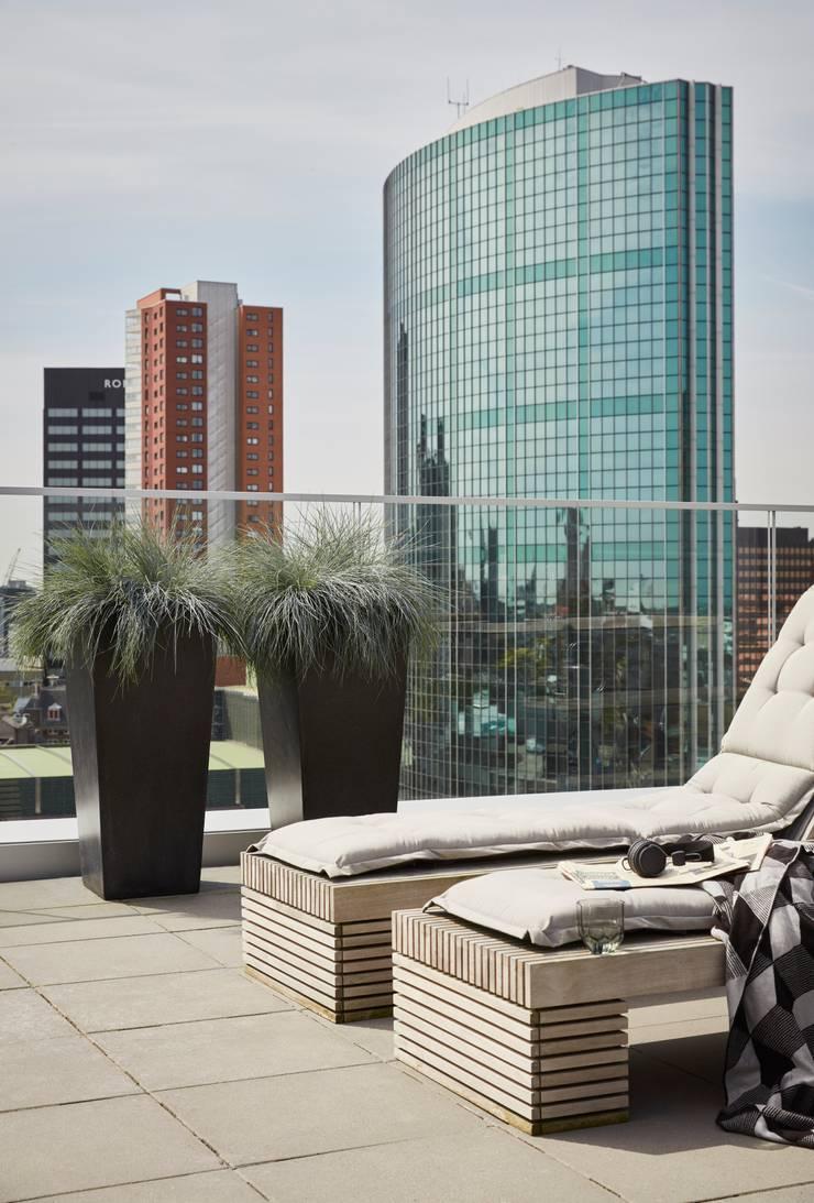 Capi Lux - Pot taps hoog Zwart:  Balkon, veranda & terras door Capi Europe
