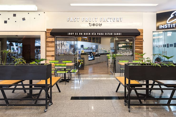 FFF Santa Fé - Fachada: Restaurantes de estilo  por MX Taller de Arquitectura & Diseño