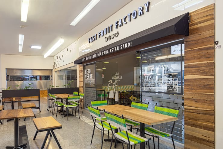 FFF Santa Fé - Fachada 02: Restaurantes de estilo  por MX Taller de Arquitectura & Diseño