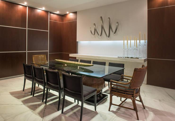 Projeto DSC: Salas de jantar  por Andréa Buratto Arquitetura & Decoração