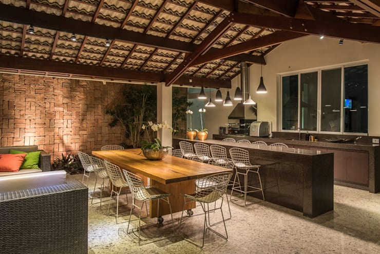 غرفة السفرة تنفيذ Andréa Buratto Arquitetura & Decoração