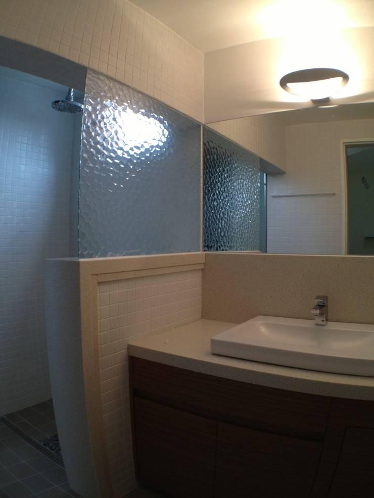 Bathroom by HAUS.O