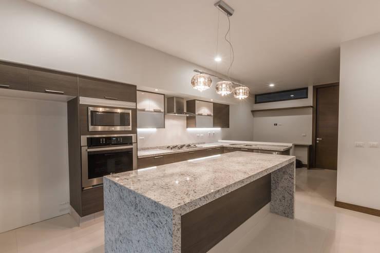 Kitchen by 2M Arquitectura