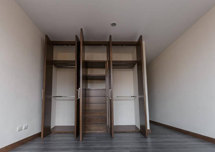غرفة الملابس تنفيذ 2M Arquitectura