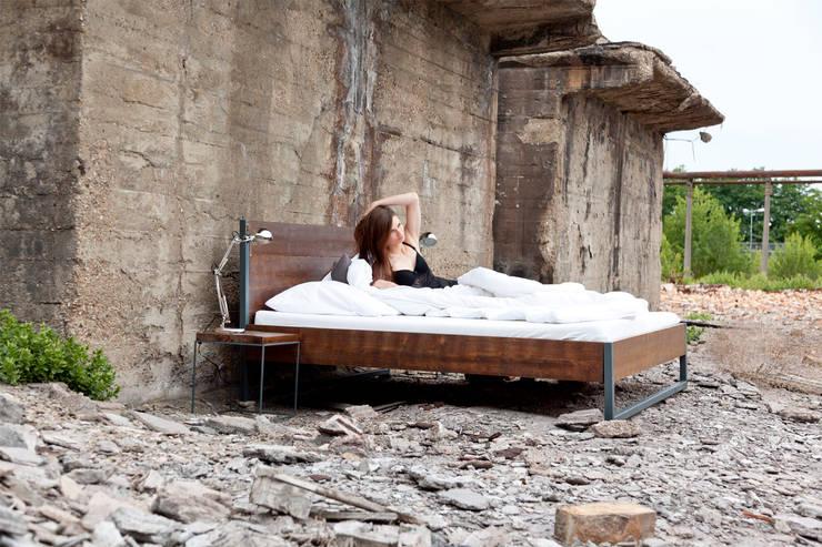 loft vintage industrial bed bett von n51e12 design. Black Bedroom Furniture Sets. Home Design Ideas
