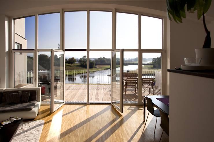 Окна в . Автор – Kneer GmbH, Fenster und Türen