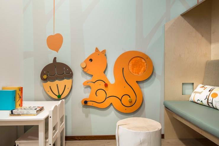 kindvriendelijk interieur voor het MDCK:  Gezondheidscentra door All-In Living, Modern