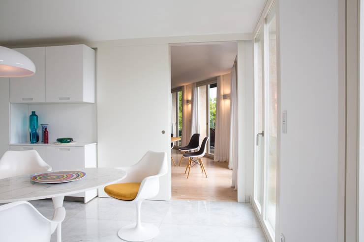 Uma cozinha renovada: Cozinhas  por Architect Your Home