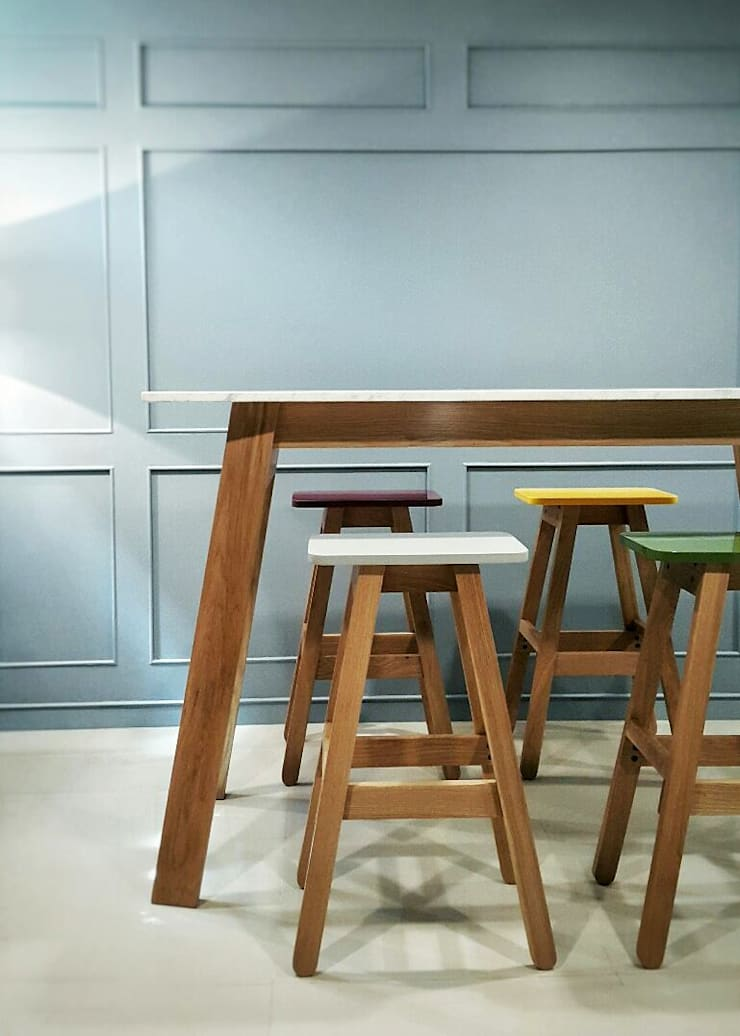 Home Office:  Study/office by EMOH Modern Furniture Store HK