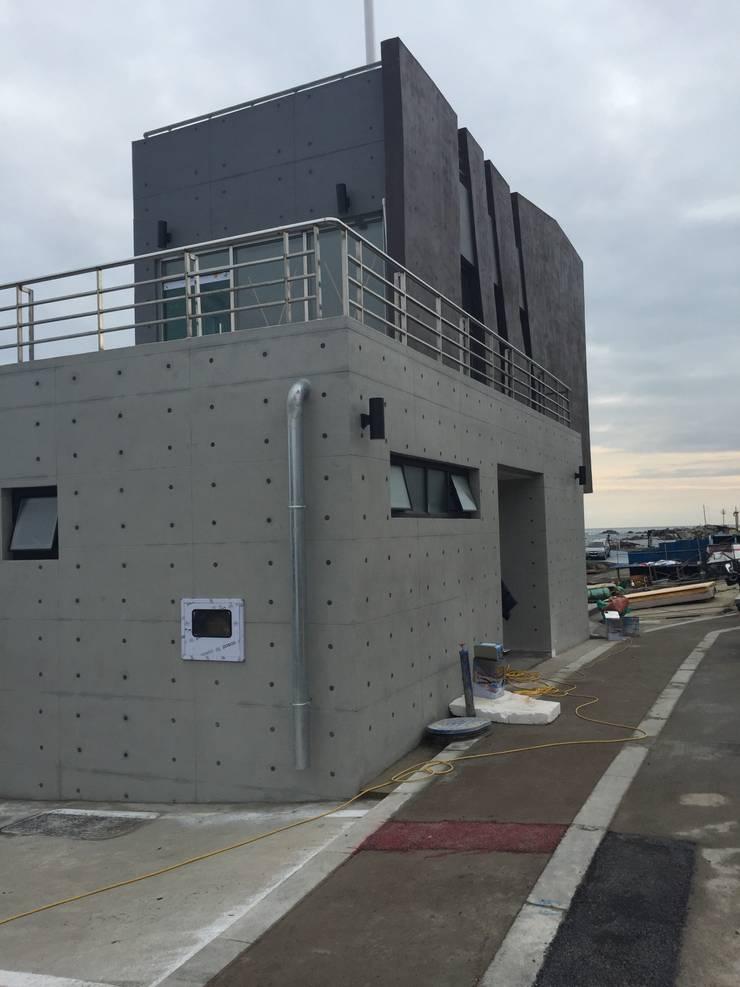주전어촌체험마을 체험준비동: 건축사사무소 카안 |Architect firm KAAN의  주택