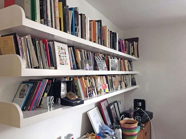 Study - Shelving:  Study/office by Absolute Project Management