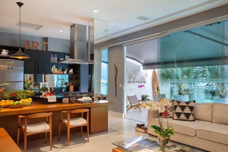 Кухни в . Автор – Angela Medrado Arquitetura + Design