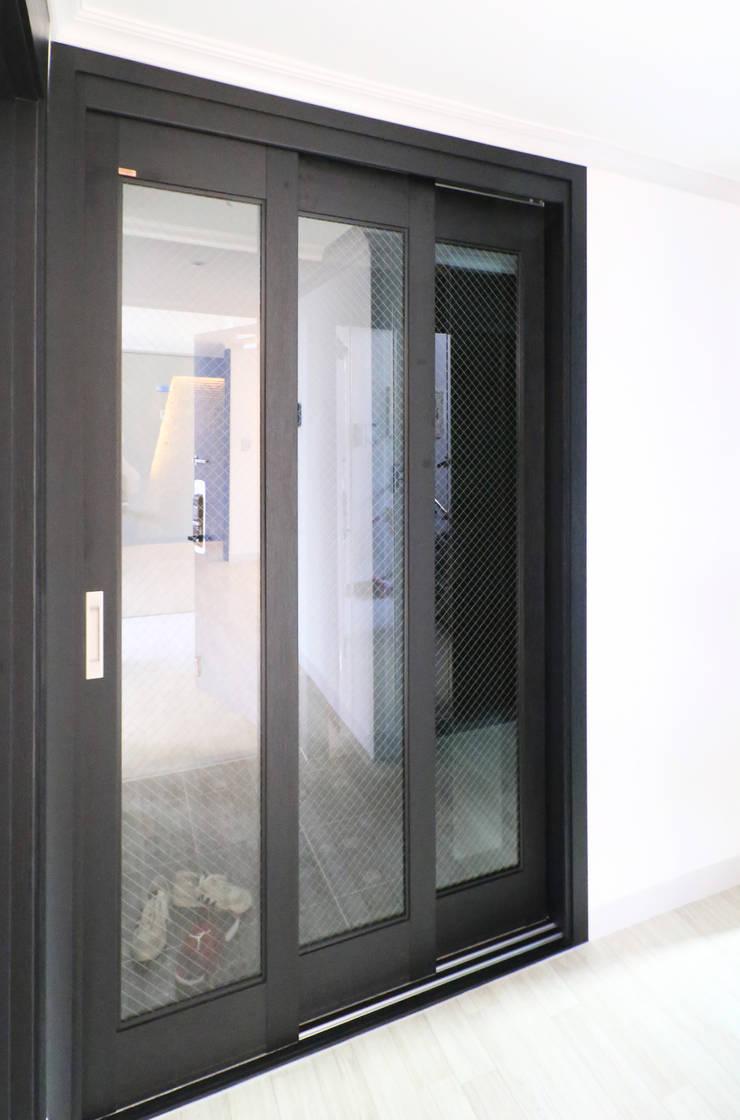 중흥마을 37평 : 금화 인테리어 의  창문