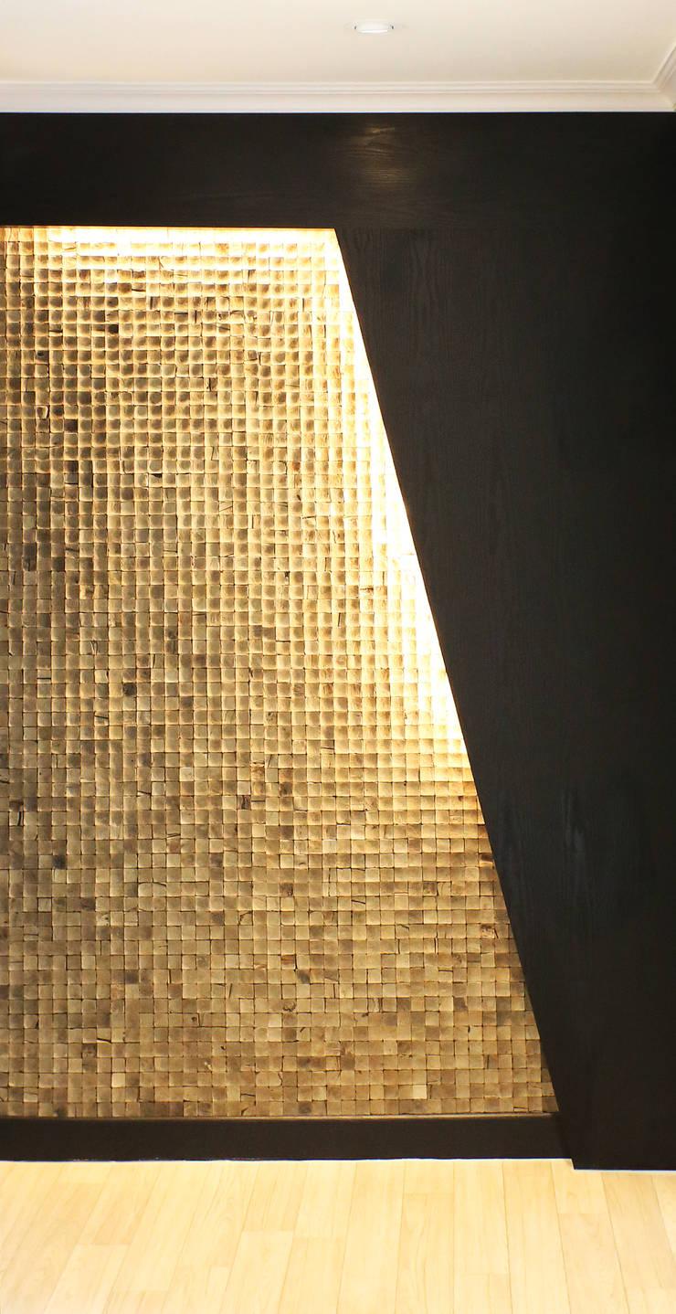 중흥마을 37평 : 금화 인테리어 의  벽