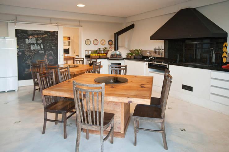 Espaço Gourmeta: Terraços  por IDALIA DAUDT Arquitetura e Design de Interiores