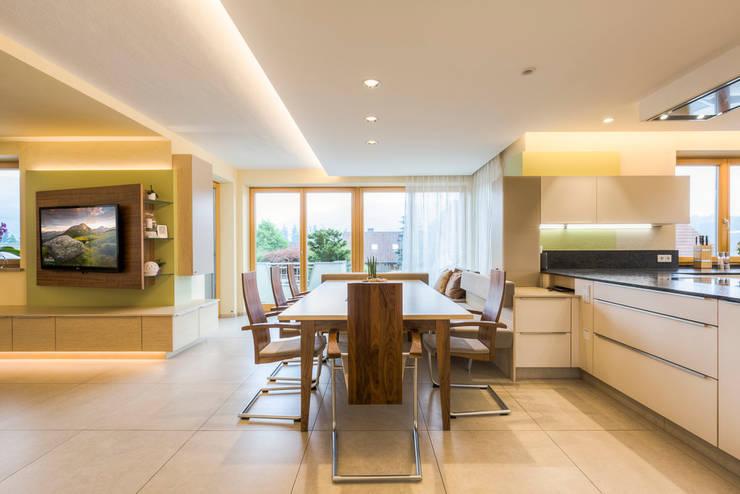 Dining room by Horst Steiner Innenarchitektur