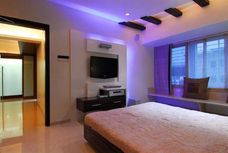 2BHK renovated :  Bedroom by ShreeJi Interior