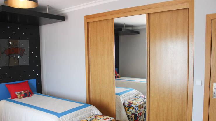 KABLANG: Quartos de criança  por GRAÇA Decoração de Interiores