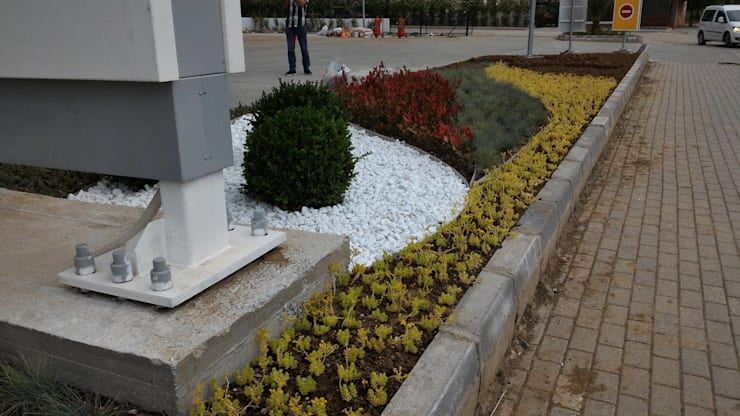 konseptDE Peyzaj Fidancılık Tic. Ltd. Şti. – SHELL BENZİN İSTASYONU Peyzaj Proje ve Uygulaması:  tarz Bahçe, Modern