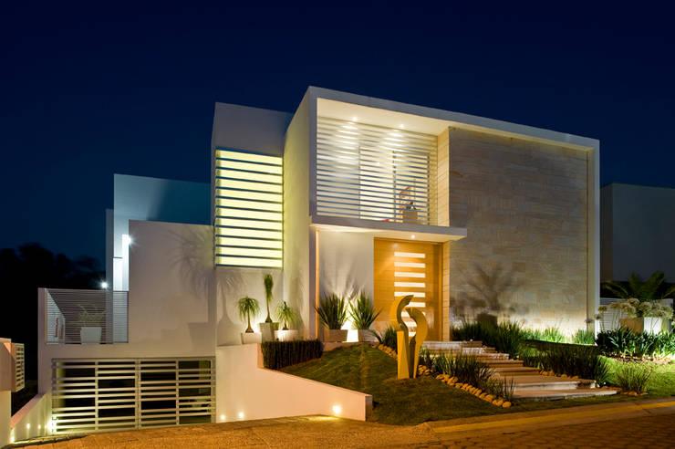 Fotografía: Mito covarrubias: Casas de estilo moderno por Agraz Arquitectos S.C.