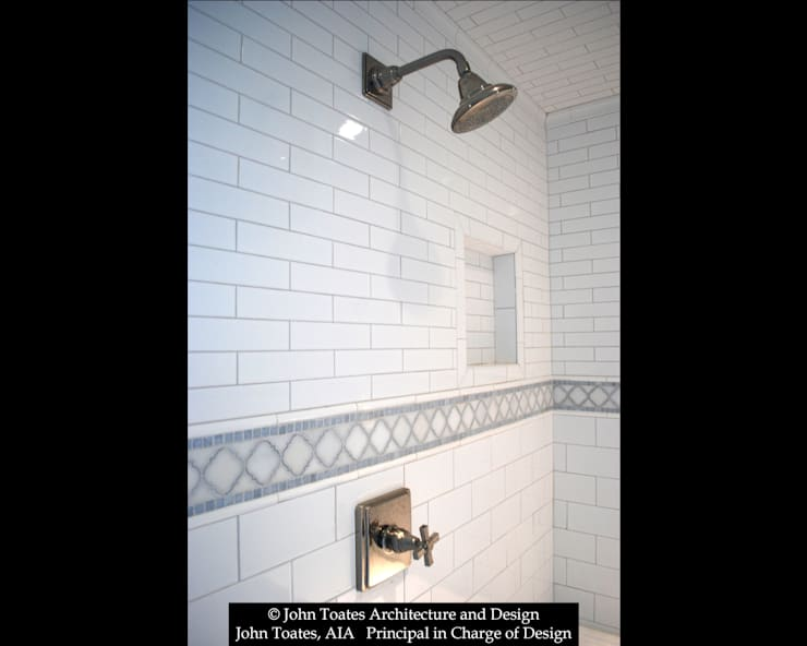 Shower Tile:  Bathroom by John Toates Architecture and Design