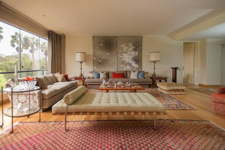 Living room by Duo Arquitectura y Diseño