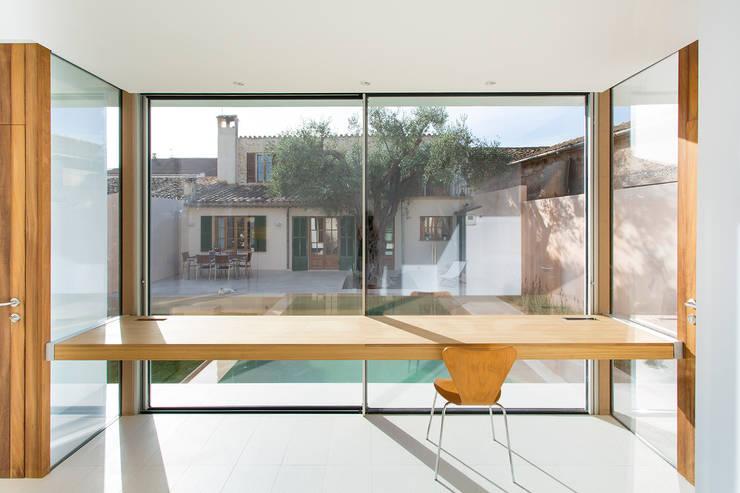 Escritórios e Espaços de trabalho  por Joan Miquel Segui Arquitecte