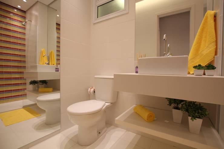 Nowoczesna łazienka od Pricila Dalzochio Arquitetura e Interiores Nowoczesny