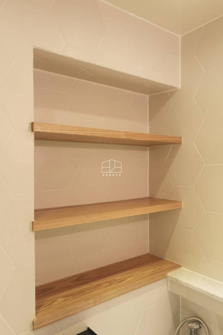 [프렌치 모던 느낌의 아파트 인테리어 37py]: 홍예디자인의  욕실